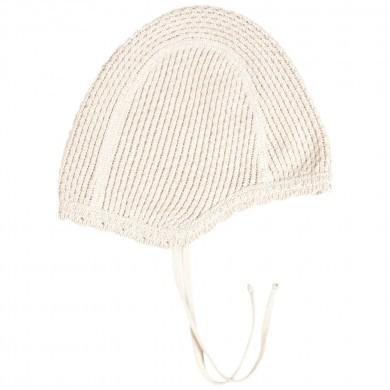 Huttelihut strik hjelm i bomuld. Råhvid.